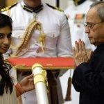 Mitali Raj receiving the Padma Shri award from the Indian President