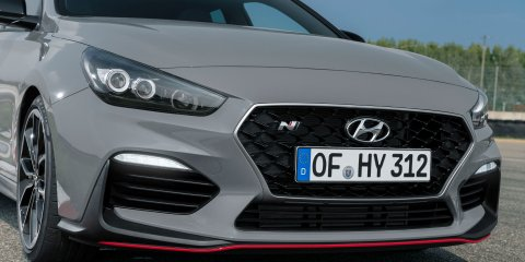 Hyundai i30 N Performance Fastback close-up of the front grille