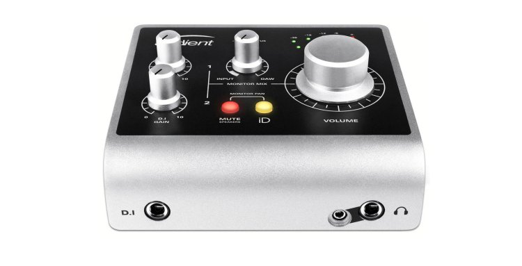 Audient ID4 audio interface (front and top)