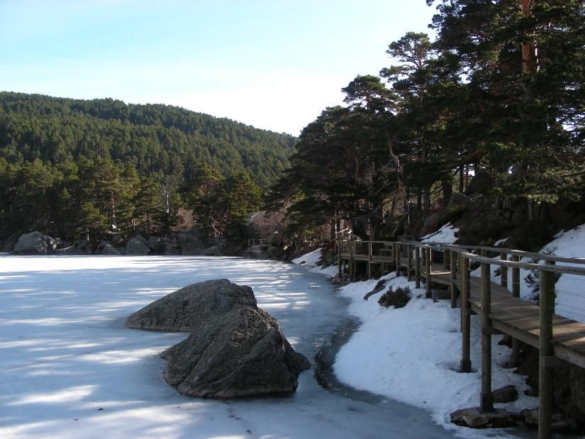 Laguna Negra con hielo