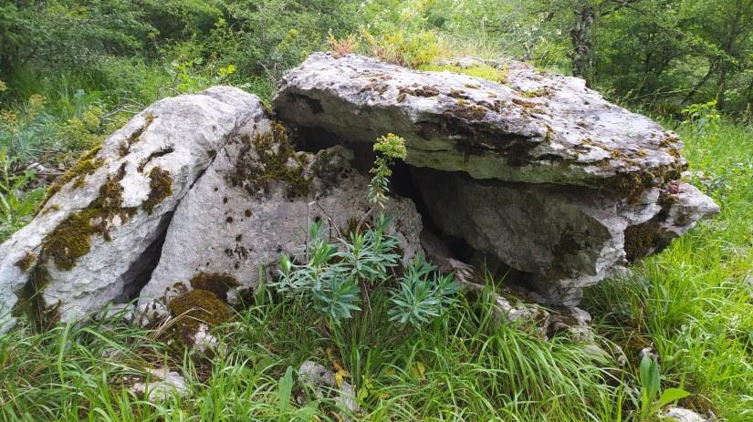 Un dólmen derruido