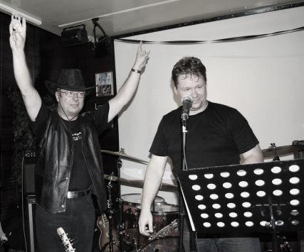 Timo's celebrating the fantastic gig (Helsinki, Sep 19, 2009)