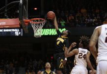 Minnesota Golden Gophers at Iowa Hawkeyes