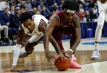Temple Owls at UConn Huskies