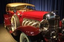 DUESENBERGMODEL SJ LAGRANDE DUAL-COWL PHAETON 1935 Een standaard Model SJ haalde een topsnelheid van 209 km/u en sprintte in nauwelijks 9 seconden van 0 tot 100 km/u.