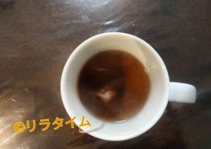 妊娠中も飲めるコーヒーの黒豆玄米コーヒーを蒸らしている様子