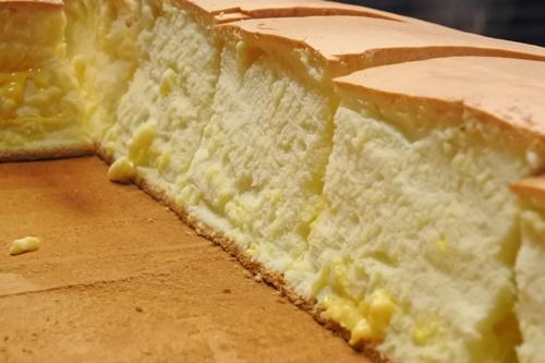 士林夜市のフワフワケーキ 源味本鋪古早味現烤蛋糕