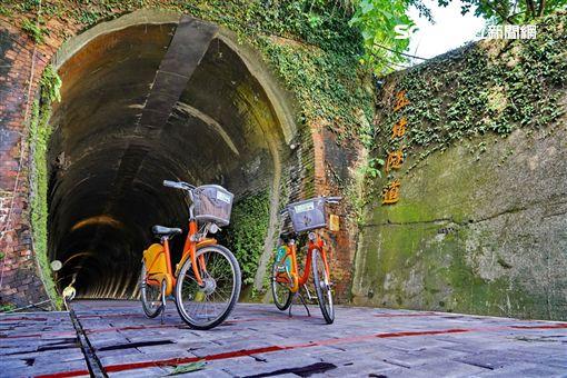 騎單車穿越古隧道!百年五堵隧道通了…從新北可直達基隆 │ 旅遊頻道 │ 三立新聞網 SETN.COM