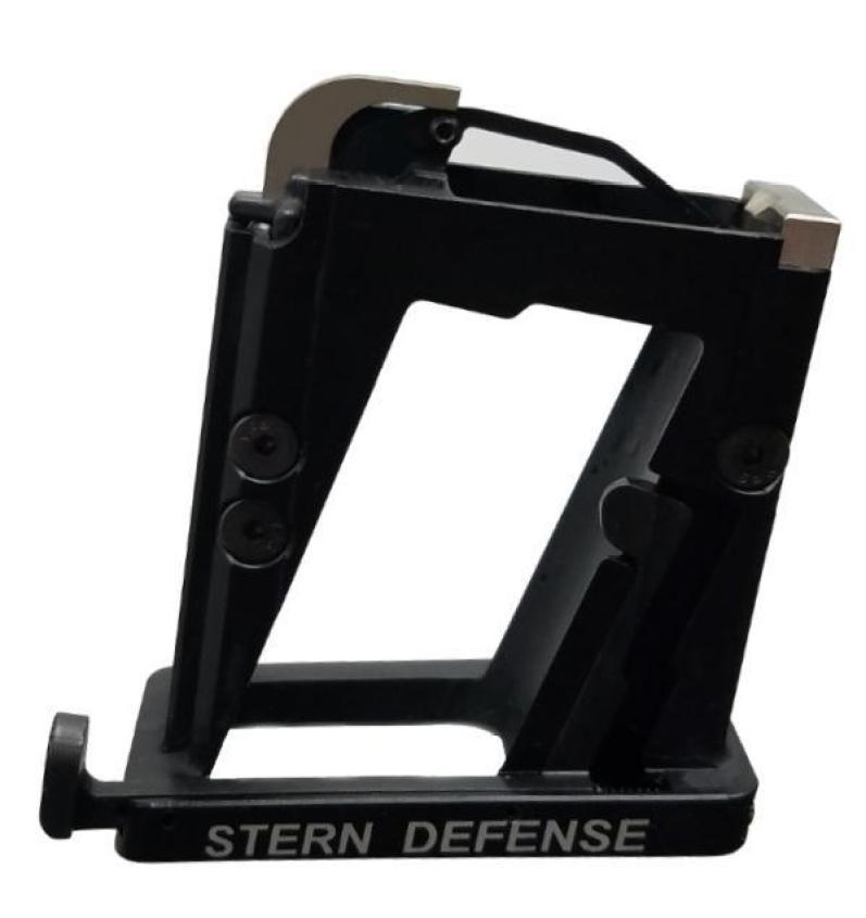Stern defense beretta 92 pistol caliber carbine magazine well adapter for beretta 92 mags mag-adb92 1