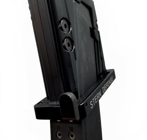 Stern defense beretta 92 pistol caliber carbine magazine well adapter for beretta 92 mags mag-adb92 3