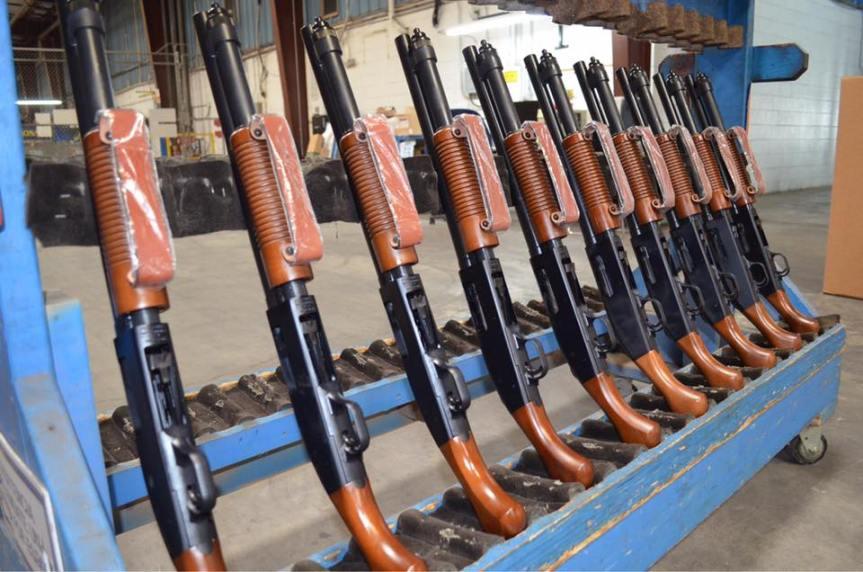 O.F. Mossberg & Sons mossberg 590 nightstick shockwave 12 guage shotty; tactical; firearmblog; gun blogger; attackcopter; 40sw; ar15;ar47; ak47; ak74; close quarter; dumpster defender  1.jpg