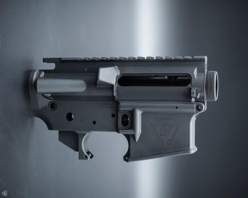 strike industries moa customs strikeraider ar15 receiver sets stripped ar15 lowers custom receiver sets 1.jpg