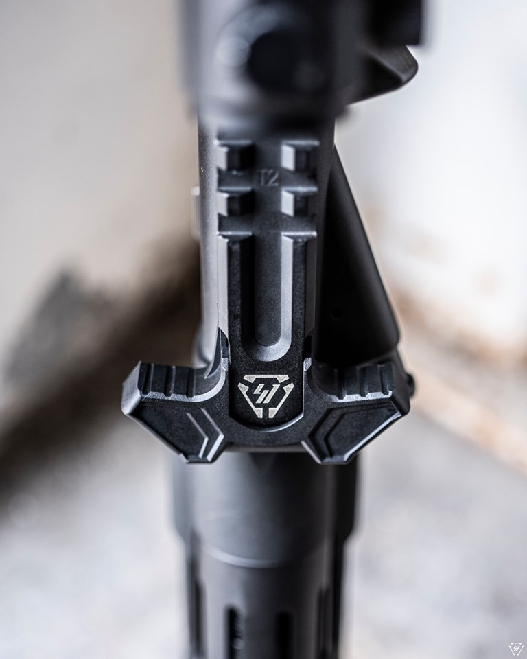strike industries polymer iso latch upgrade SI-AMBI-ISOLATCH latchless charging handle for the ar15 gas buster charging handle 4.jpg