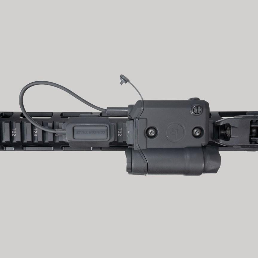 crimson trace cmr-301 railmaster laser and light ar15 1
