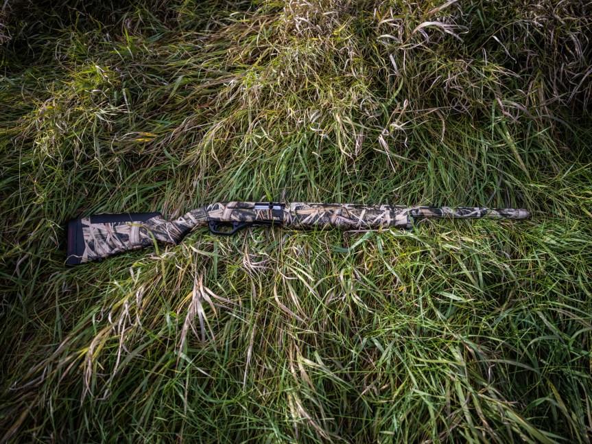 savage arms renegauge shotgun semiauto shotgun 12 gauge 1.jpg