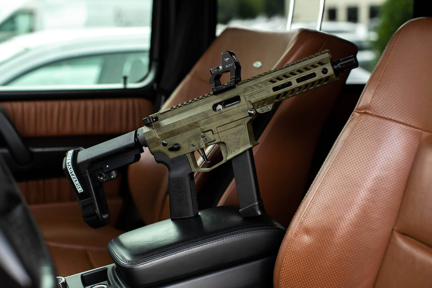 ANGSTADT ARMS DEBUTS LIMITED EDITION OD GREEN HALFTONE UDP-9 PISTOL