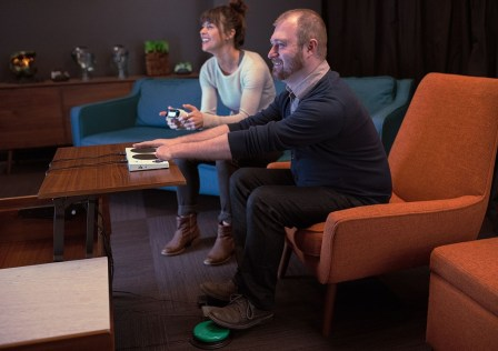 microsoft-announces-xbox-adaptive-controller-for-players-with-limited-mobility-1080×720