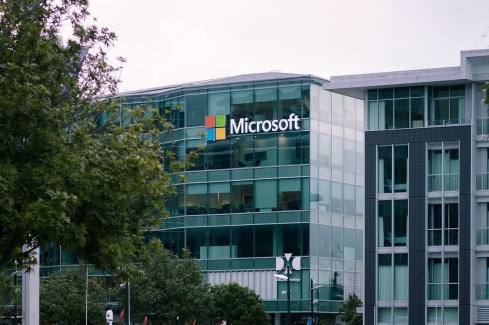 LockFile Ransomware exploits ProxyShell vulnerabilities in Microsoft Exchange servers.