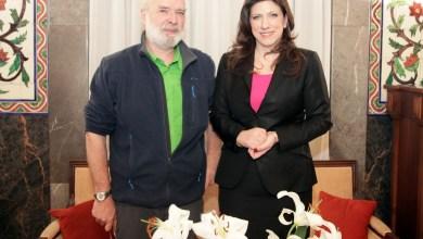 صورة رئيسة البرلمان اليوناني أنقذت شرف سيريزا