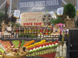 One of my favorite exhibit halls is the different grange displays. So many great colors!