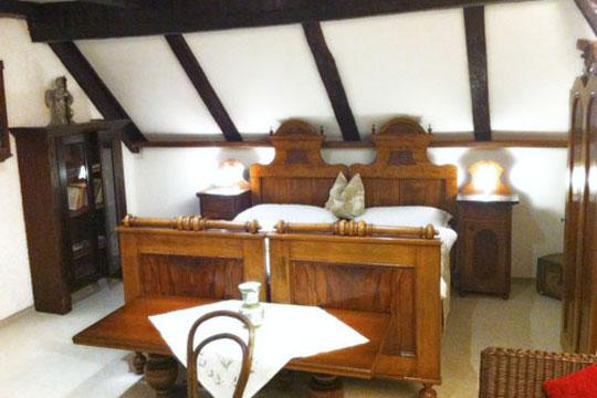 Komforables Gästezimmer der Hotel-Pension Bachtaverne
