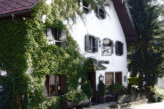The Restaurant-Pension Bachtaverne in Weyregg am Attersee