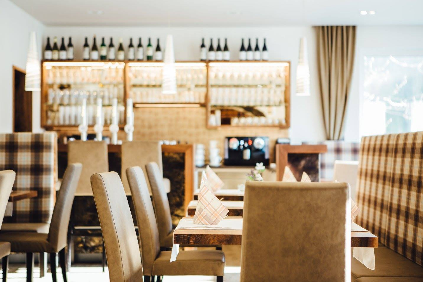 Restaurant-Bachtaverne am Attersee: Lounge-Bereich