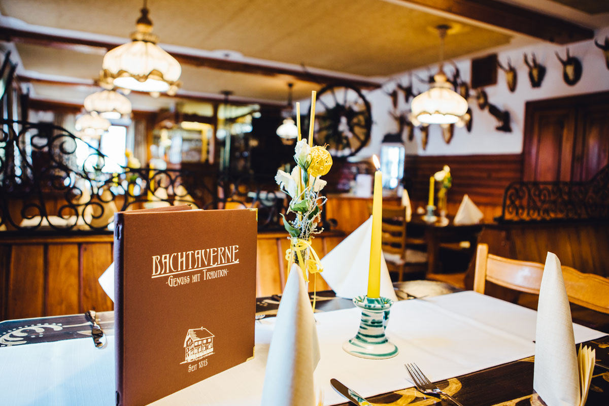 Restaurant-Pension-Bachtaverne-am-Attersee: Die traditionelle Gaststube