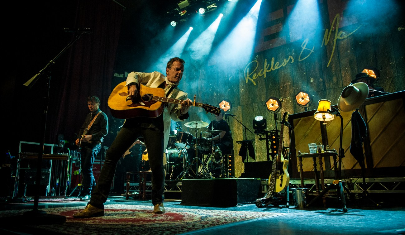 kiefer sutherland manchester ritz by mike ainscoe 8