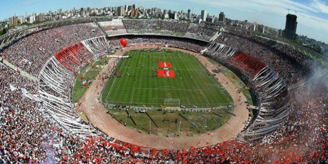 Final de Libertadores repleta de confusão