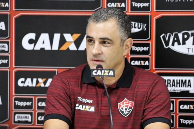Marcelo Chamusca como o 'rei do acesso'