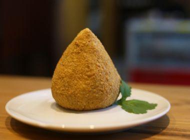 Coxinha de batata doce assada com linhaça ou chia