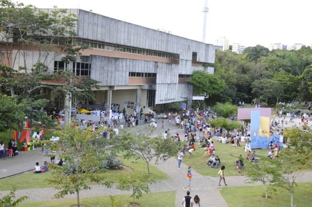 UFBA abriu vagas para índios, quilombolas, trans, imigrantes e refugiados