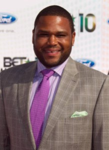 Anthony Anderson is a good example of dressing up heavy men.