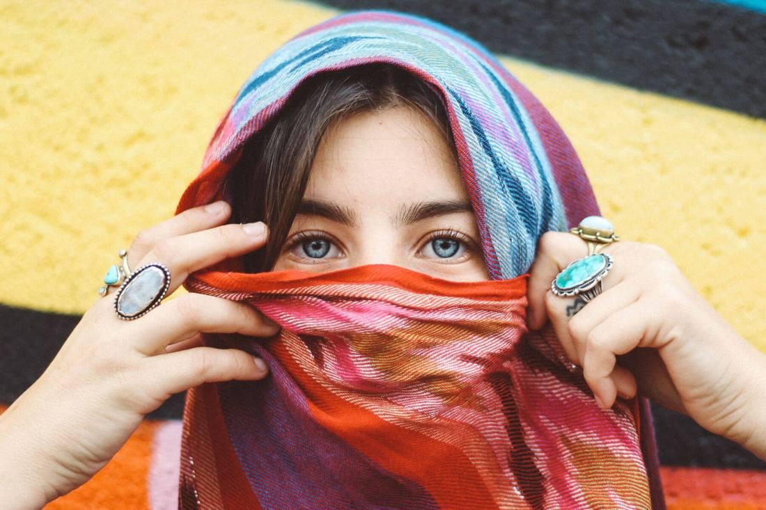 How to make eyelashes grow naturally
