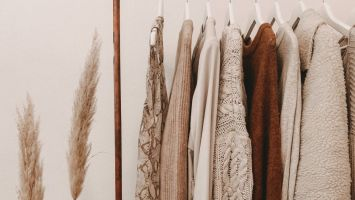 10 Tips to a Sustainable Wardrobe