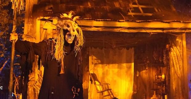 Halloween Horror Nights Bayou of Blood Scare Zone