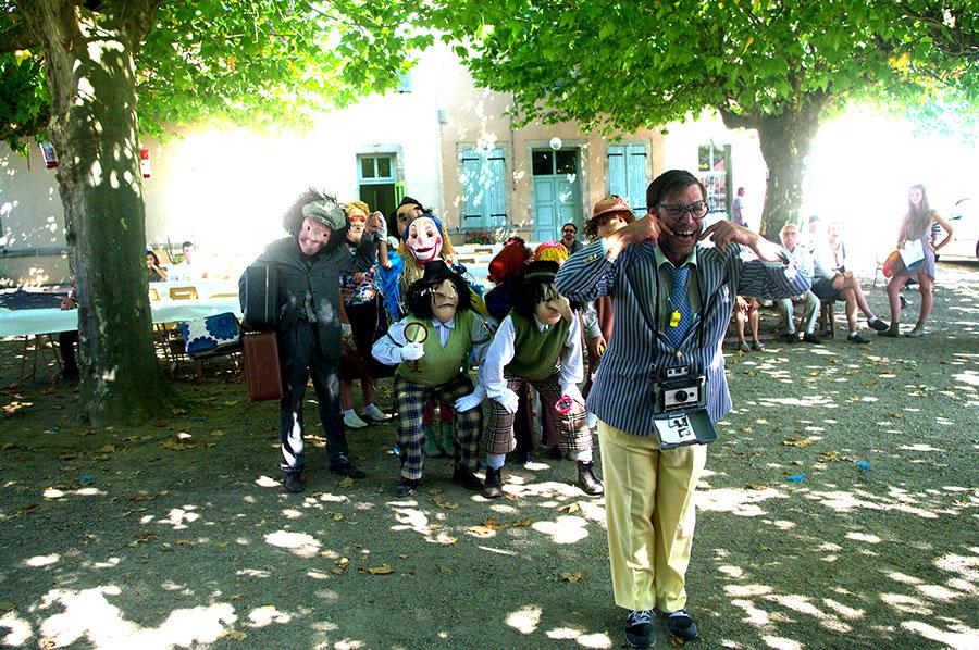 Les touristes et Jean-Bernard