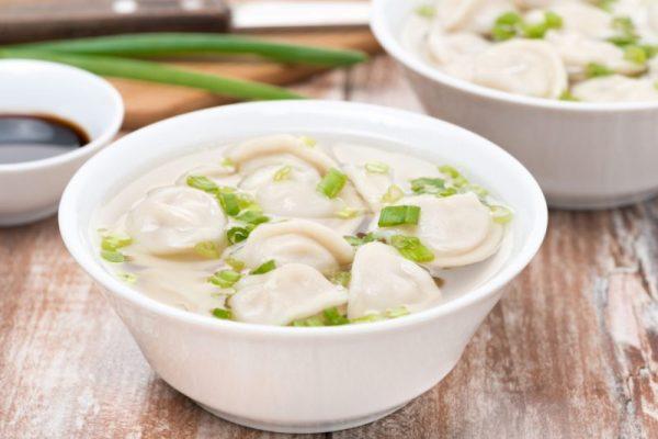Суп с пельменями — 9 рецептов приготовления дома