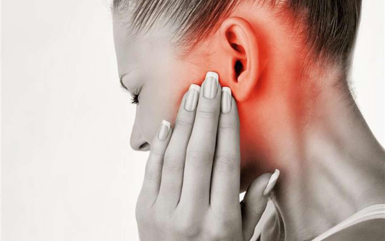 Болит ухо у взрослого как лечить