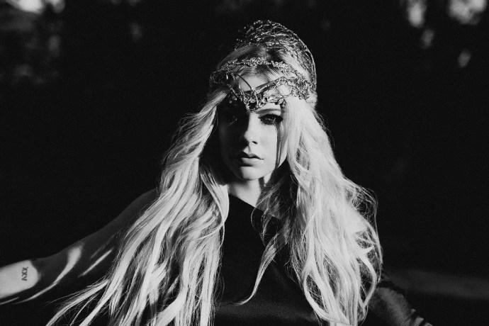Avril Lavigne © David Needleman