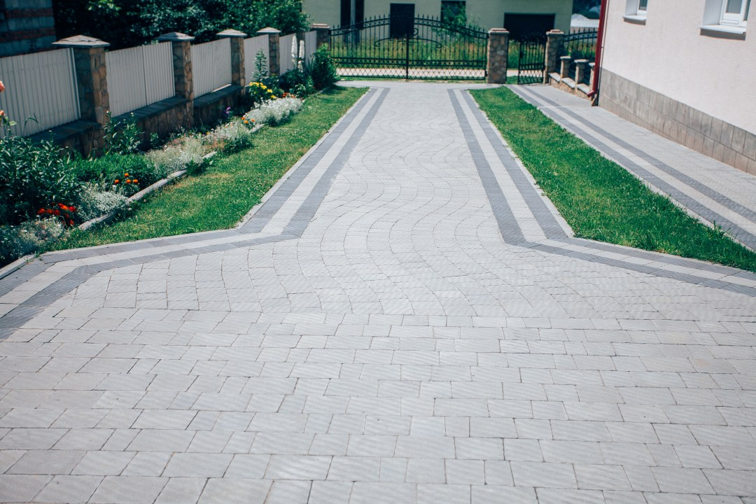 Paver driveway in South Austin Texas