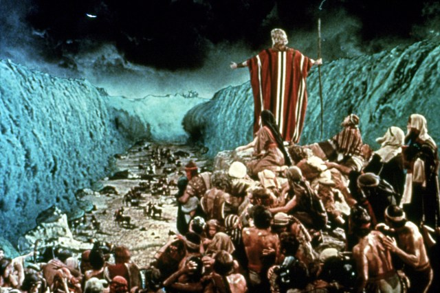Mmoses parting the red sea