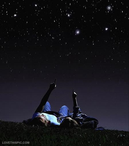 star_gazing_couple