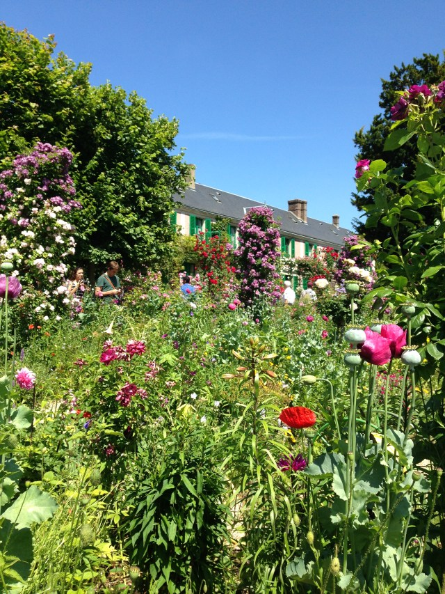 Giverny. Best pic of house from gardens.
