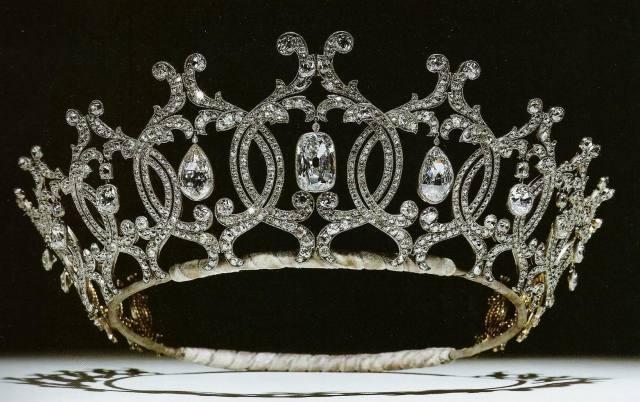 portland-tiara-1902-by-cartier-for-winifred-duchess-of-portland