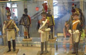 Paris Invalides Infantry dolls Who started the white jeans with boots look.