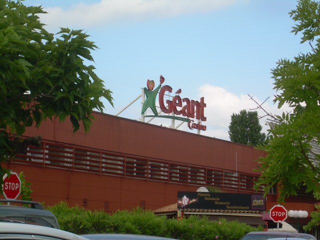 Image result for atypical60 Geant hypermarche