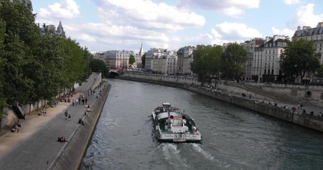 Paris boat on seine