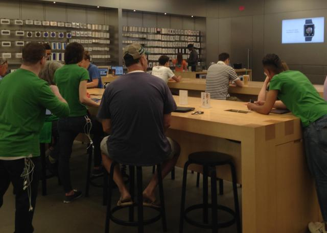 Apple store genius table 10.10 AM